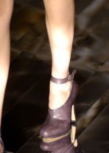 Hussein Chalayan Fall 2005 Ready-to-Wear Detail 0002