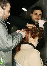 Yohji Yamamoto Fall 2005 Ready-to-Wear Backstage 0003