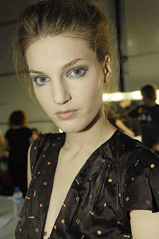 Bora Aksu Spring 2007 Ready-to-wear Backstage 0002