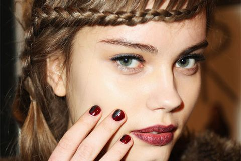 Finger, Lip, Cheek, Hairstyle, Skin, Forehead, Eyelash, Eyebrow, Manicure, Nail,