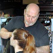 Hair, Head, Ear, Hairstyle, Beauty salon, Shoulder, Mammal, Hairdresser, Barber, Style,