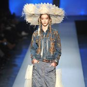 Blue, Hairstyle, Fashion show, Style, Costume design, Costume accessory, Fashion model, Fashion accessory, Fashion, Runway,