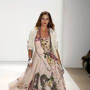 Clothing, Fashion show, Shoulder, Textile, Runway, Joint, Dress, Formal wear, Fashion model, Style,