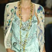 Clothing, Yellow, Textile, Style, Fashion show, Fashion model, Fashion, Neck, Street fashion, Fashion design,