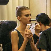 Hair, Ear, Hairstyle, Human body, Style, Eyelash, Hair accessory, Fashion, Makeup artist, Personal grooming,