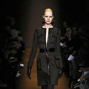 Fashion show, Runway, Joint, Outerwear, Fashion model, Style, Fashion, Street fashion, Knee, Blond,