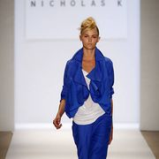 Clothing, Blue, Sleeve, Human body, Shoulder, Fashion show, Joint, Style, Runway, Electric blue,