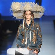 Denim, Style, Feather, Headgear, Costume accessory, Natural material, Fashion, Street fashion, Pocket, Headpiece,