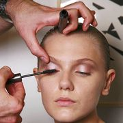 Finger, Skin, Eyebrow, Hand, Beauty salon, Nail, Style, Eyelash, Organ, Temple,