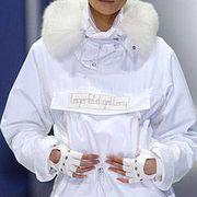 Lagerfeld Gallery Fall 2004 Ready-to-Wear Detail 0001
