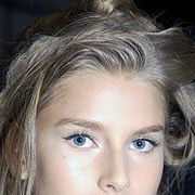 Luca Luca Spring 2005 Ready-to-Wear Backstage 0001