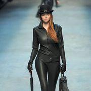 Sleeve, Hat, Textile, Outerwear, Style, Fashion model, Fashion accessory, Street fashion, Waist, Fashion,