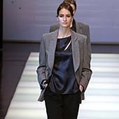 Giorgio Armani Fall 2002 Ready-to-Wear Collection 0001