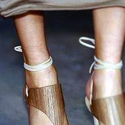 Calvin Klein Spring 2005 Ready-to-Wear Detail 0001