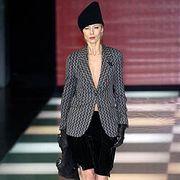 Giorgio Armani Fall 2005 Ready-to-Wear Collections 0001