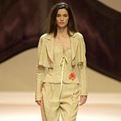 Emanuel Ungaro Spring 2002 Ready-to-Wear Collection 0001