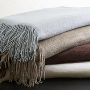 Throw-blankets-featured