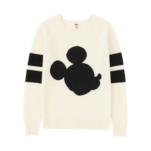 <p>Jersey de punto con silueta de Mickey Mouse, de&nbsp;<strong>Uniqlo&nbsp;</strong>(21 €).</p>