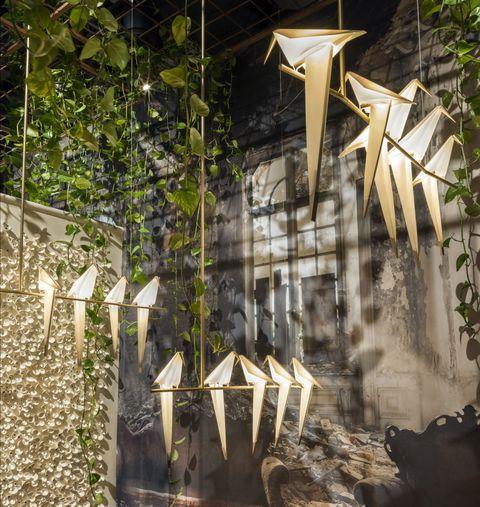 <p>El surrealismo y la belleza de los diseños del creador holandés tomaron una enorme nave de la via Savona de Milán. Allí pudimos ver desde las nuevas alfombras hasta sus creaciones más emblemáticas. ¡Y con Marcel Wanders deambulando por allí!</p>