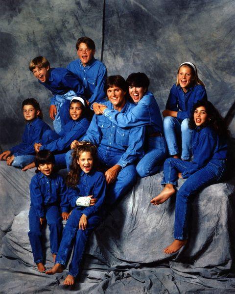<p>Así lucía la familia Kardashian-Jenner al completo en el año 1991. Y así era Kim (en el extremo derecho de la foto), que entonces tenía once años.</p>