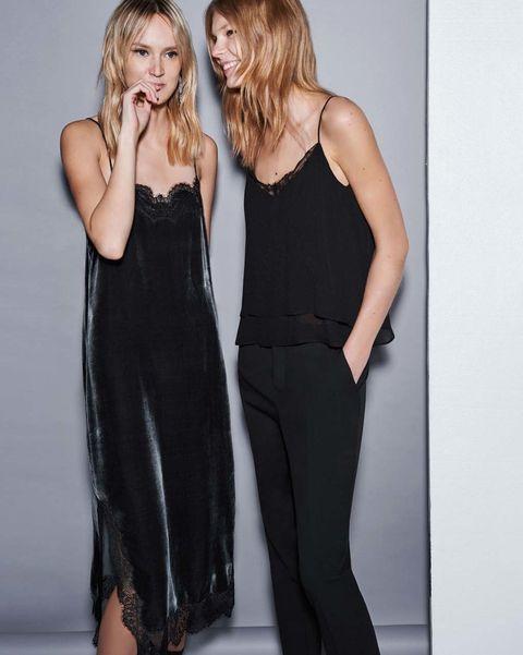 <p>Por su parte,&nbsp;<strong>Zara&nbsp;</strong>apuesta por la conjunción de lencería y terciopelo.</p>