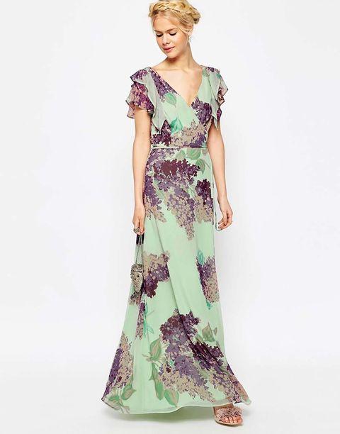 <p>Vestido floral cruzado de gasa, de <strong>Asos</strong> (76 €).&nbsp;</p>