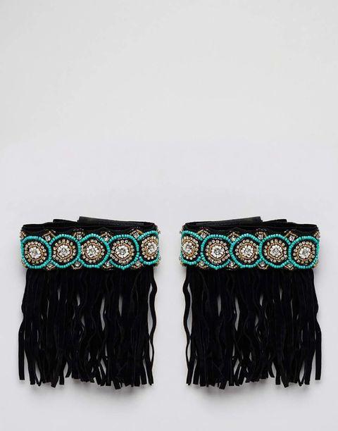 <p>Pulseras con flecos para los tobillos de estilo folk, de <strong>Asos</strong> (18 €).</p>