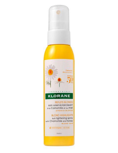 <p>'Cuidado solar aclarador a la camomila y la miel' (12,90 €), de<strong>Klorane</strong>. 'Spray' de camomila para aportar reflejos a los cabellos rubios o castaños.</p>