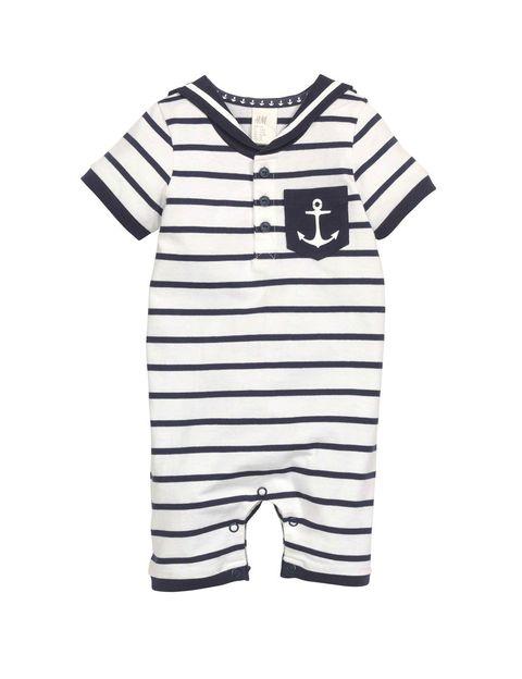 <p>Pelele marinero de H&M (7,99 €).</p>