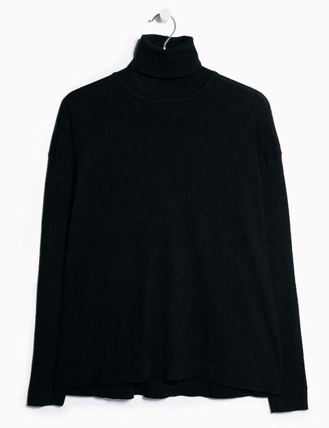 <p>Jersey de cuello alto de punto, de <strong>Mango Outlet</strong> (7 €).</p><p></p>