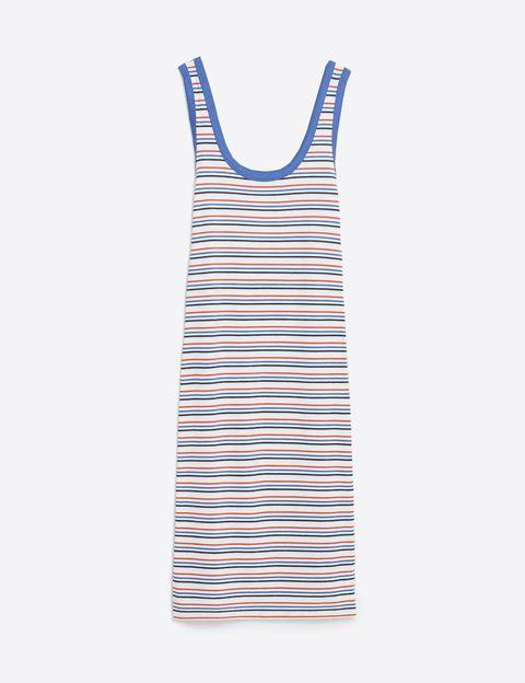 <p>Vestido midi de Zara (5,99 €).</p>