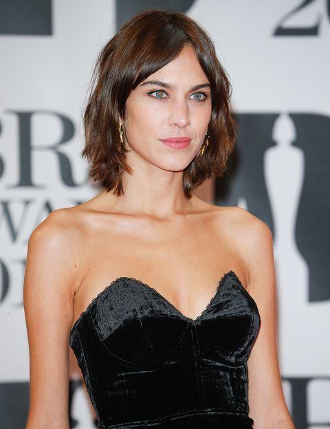"""<p>&nbsp;<strong>Giuseppe Sciannimanico</strong> y<strong> Mamen Almela</strong>, Directores Creativos y Fundadores de <a href=""""http://www.greenhairbeauty.com/"""" target=""""_blank"""">Green Hair Beauty</a>, apuestan especialmente para la primavera 2016 por la media melena de textura natural: &quot;Un corte saneado, con efecto """"bed hair"""", que no necesite un peinado muy pulido&quot;. ¿Una musa de este look? La 'it girl' <strong>Alexa Chung</strong>.</p>"""