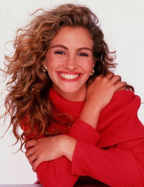<p>Si hay un rasgo que caracteriza a Julia es su gran y eterna sonrisa. Desde la conocemos hasta ahora que cumple 48 años, esa sonrisa no ha cambiado nada.</p>