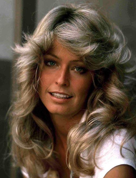 <p>¿Cómo olvidar la impresionante melena de&nbsp;<strong>Farrah Fawcett</strong>? No cabe duda de que su look es epítome de todos los estilismos de los años 70.</p>