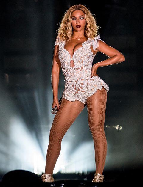 <p>Los bodys de Beyoncé han dado mucho de qué hablar, incluso en su etapa con las Destiny's Child. Es una prenda que hace resaltar más su poder y su femineidad, y los ha lucido de Ralph &amp; Russo y Emilio Pucci. Este, que lució en la gira de Mrs Carter (2013), con perlas incrustadas, es de su estilista Timothy White y es uno de los más espectaculares.</p>