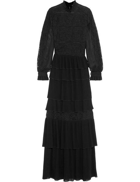 <p>Vestido gótico de encaje con falda larga y volantes, de <strong>Vilshenko.</strong></p>