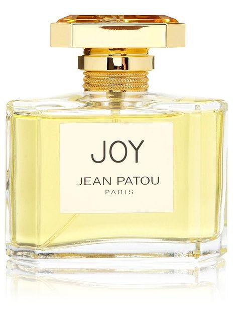 <p><strong>Joy</strong> de <strong>Jean Patou.</strong> Está considerado todo un clásico, fue creado en 1930 y ha sido el segundo perfume más vendido después de Chanel N5. Tiene un toque de nardos, ylang-ylang perro sobre todo a jazmín y rosa de mayo. Huele como los perfumes de antes pero si amas el olor del jazmín, te gustará seguro. ¿Lo peor? El precio: (154 €/ 75 ml). Y no es fácil de encontrar, en El Corte Inglés de Castellana y perfumerías nicho.</p><p><strong>Muy concentrado y aguanta horas. Dicen que era el preferido de Vivien Leigh.</strong> </p>