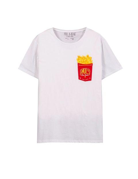 <p>Camiseta con print dePull&Bear (12,99 €).</p>