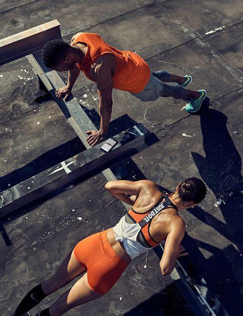 """<p>Nike acaba de rediseñar su aplicación <strong>NTC </strong>con nuevas (y sorprendentes) funcionalidades: más de 100 ejercicios nuevos, planes personalizados, posibilidad de registrar actividad realizada fuera de la 'app'... Como tener un entrenador personal en el bolsillo.</p><p><strong>Precio:</strong> Gratis</p><p><strong>Plataformas:</strong> <a href=""""https://itunes.apple.com/en/app/nike-training-club/id301521403?mt=8"""" target=""""_blank"""">iOS</a> y <a href=""""https://play.google.com/store/apps/details?id=com.nike.ntc"""" target=""""_blank"""">Android</a></p>"""