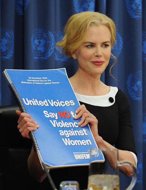 <p>Nicole Kidman fue nombrada en 2006 Embajadora de Buena Voluntad para las mujeres en la ONU. Su trabajo consiste en despertar las conciencias sobre la vulneración de los derechos femeninos en todo el mundo, prestando especial atención a la violencia contra las mujeres. Fue la portavoz de de la campaña 'Di NO-Unidos para acabar con la violencia contra las mujeres', una iniciativa que proclamó el día 25 de cada mes como Día Naranja, un día dedicado a despertar conciencias y a prevenir la violencia de género,</p><p></p>