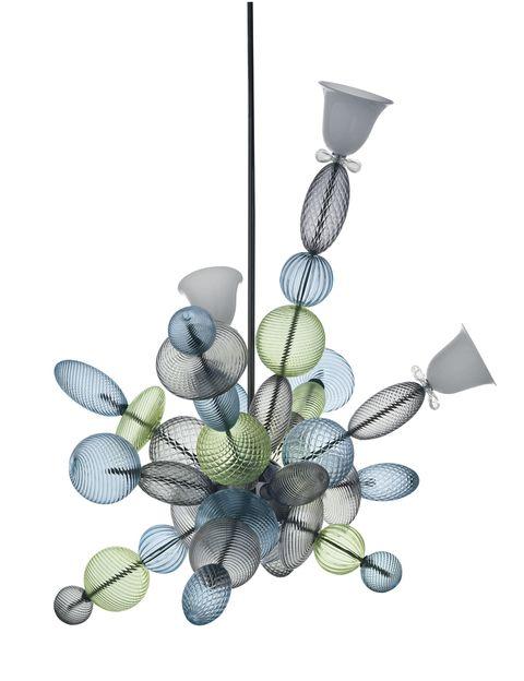 """<p>De constelaciones y héroes habla este etéreo chandelier en cristal de Murano. De Marcel Wanders para de Barovier&amp;Toso,<i> In love</i>! <a href=""""/edicion/gallery/749505/(offset)/barovier.com"""" target=""""_blank"""">barovier.com</a></p>"""