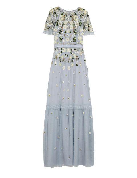 <p>Vestido largo en azul pastel de&nbsp;<strong>Needle&amp;Threedle</strong> (465 €).</p>
