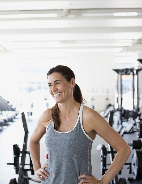 <p><strong>La falta de tiempo es la razón por la que la mayoría de las mujeres no consigue hacer ejercicio</strong>. Y cuando el día a día está cargado de muchas obligaciones, sentir el ejercicio como una más hará que nunca llegues a ser constante. <strong>¿Y si no tuvieras ni que invertir una hora</strong> de tu tiempo en entrenar? ¿Y si además te decimos que hay un montón de estudios que avalan la eficacia de los entrenamientos cortos? Pues es cierto, puedes olvidarte del tiempo. <strong>Media hora, quince minutos, doce minutos o tan sólo un minuto</strong> de ejercicio, pueden aportarte grandes beneficios, ayudarte a cambiar tu cuerpo y a perder peso. ¿Cómo? Sigue leyendo.&nbsp;</p><p>&nbsp;</p>
