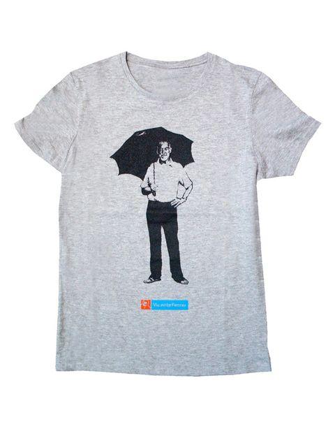 """<p>Perfecta y solidaria esta camiseta de la <a href=""""http://www.tiendafvf.org/textil-solidario/308-camiseta-entallada-vicente-ferrer.html"""" target=""""_blank"""">Fundación Vicente Ferrer </a>(12,90 €) con la que contribuyes a la erradicación de la pobreza más extrema y mejorarás las condiciones de miles de personas en la India.</p>"""