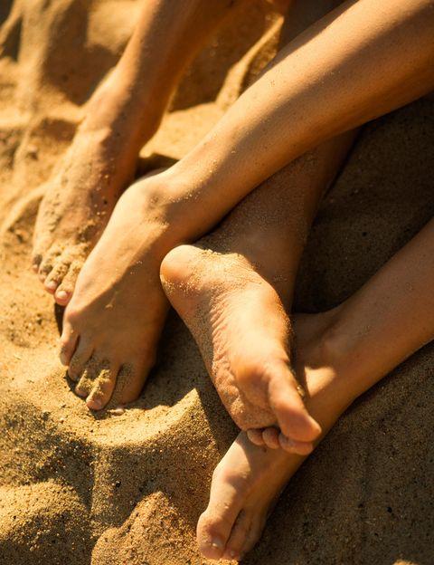 """<p>Según las estadísticas para el 80% de los españoles el verano es <strong>la época del año en la que se despiertan más los instintos libidinosos</strong> y cuando más ganas de practicar sexo hay. Algunas encuestas de sexología también afirman que el 30% alguna vez ha practicado sexo en la playa. Pero no solo está la playa para tener sexo veraniego. En <a href=""""http://www.sexplace.es/"""" target=""""_blank"""">Sex Place</a>, expertos en productos eróticos, ha elaborado <strong>una lista de los lugares más morbosos</strong> para desatar la pasión en verano.&nbsp&#x3B;</p><p>&nbsp&#x3B;</p>"""