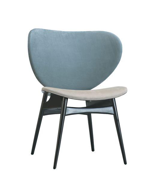"""<p>Diseñada por Draga y Aurel para Baxter, la silla <i>Alma</i> es suave y extra envolvente en sus bellos tonos empolvados. ¡No te querrás levantar de ella! <a href=""""http://www.baxter.it"""" target=""""_blank"""">www.baxter.it</a></p>"""