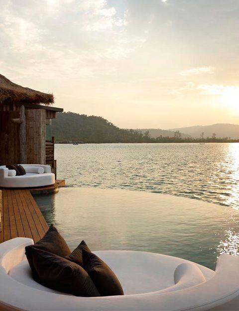 <p>En este resort de lujo ecológico, que abarca dos islas pequeñas y parte del archipiélago Koh Rong de <strong>Cambodia</strong>, podrás disfrutar de una 'infinity pool' de ensueño con vistas al Golfo de Tailandia.&nbsp;</p>