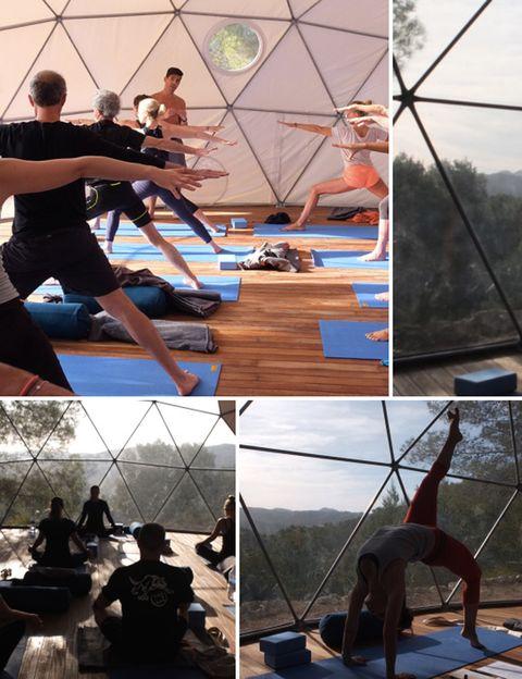 """<p><strong>Descubrir la isla de Ibiza en octubre es una experiencia diferente.</strong> Y hacerlo en clave de yoga aún más. Dejando atrás la masificación del verano te encontrarás con un paraíso de calma, naturaleza y energía positiva como escenario perfecto para la práctica de esta disciplina. <strong>El plan. """"Desconectar para conectar&quot&#x3B;</strong>, como dice la profesora y blogger Carla Sánchez (<a href=""""http://ciudadyoga.blogspot.com.es/"""" target=""""_blank"""">Carla Masqueyoga</a>). """"Un retiro para detener el tiempo y sentir, una semana de Yoga dedicada a personas que buscan <strong>armonizar su cuerpo y su mente con la esencia de la naturaleza""""</strong>, añade. Y no hace falta que seas practicando te yoga, puede ser la ocasión perfecta para profundizar en tu práctica o descubrir las posibilidades de curación que ofrece esta disciplina. <strong>""""Reinventarte a ti mismo te ayudará a encontrar tus verdaderos propósitos.</strong> Todo lo que necesitas es tiempo, el espacio adecuado, y tu maravilloso cuerpo para empezar&quot&#x3B;, dice Carla. <strong>Psst.</strong> Te ofrecerán asistencia para atender todas tus necesidades, <strong>desde el alquiler de un coche hasta una manicura o las direcciones secretas</strong> de Ibiza. Dónde. En una espectacular finca de estilo ibicenco con habitaciones decoradas con un gusto exquisito y todas las comodidades. <strong>Catering eco. Los menús están diseñados con comida orgánica y vegetariana</strong>, ingredientes frescos y locales, y recetas basadas en la cocina tradicional mediterránea. También opciones para no vegetarianos. <strong>Cuándo.</strong> Del 16 al 22 de octubre de 2016. Precio. Desde 1.500 € a 1.800 €. Más info: <i>carla.urbanyoga@gmail.com</i></p><p>&nbsp&#x3B;</p>"""