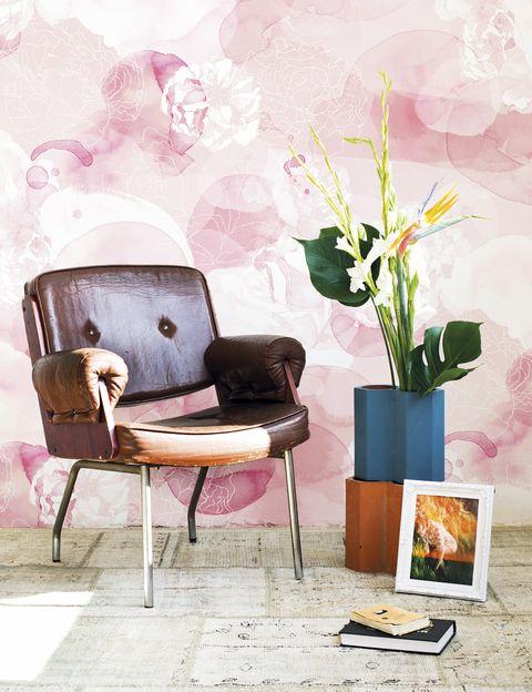 <p>Es el color elegido para la creación <i>Mural Rose Dream</i>, de Laura Costafreda para la firma Coordonné.</p>