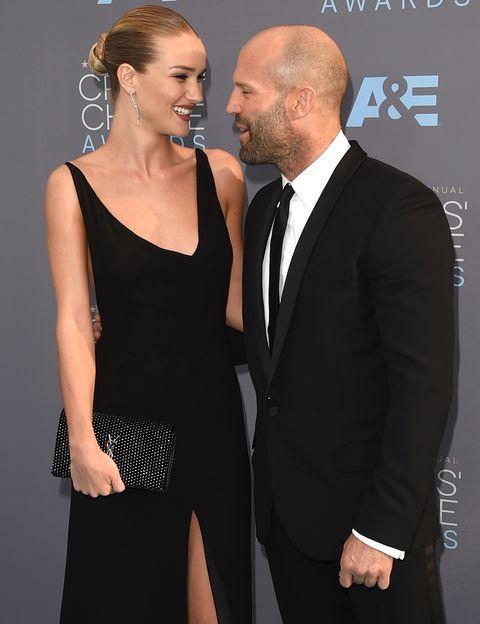 <p>La modelo Rosie Huntington-Whiteley, de 29 años, comenzó su noviazgo con el actor Jason Statham en 2010. El tiene 20 años más que ella.&nbsp;</p>